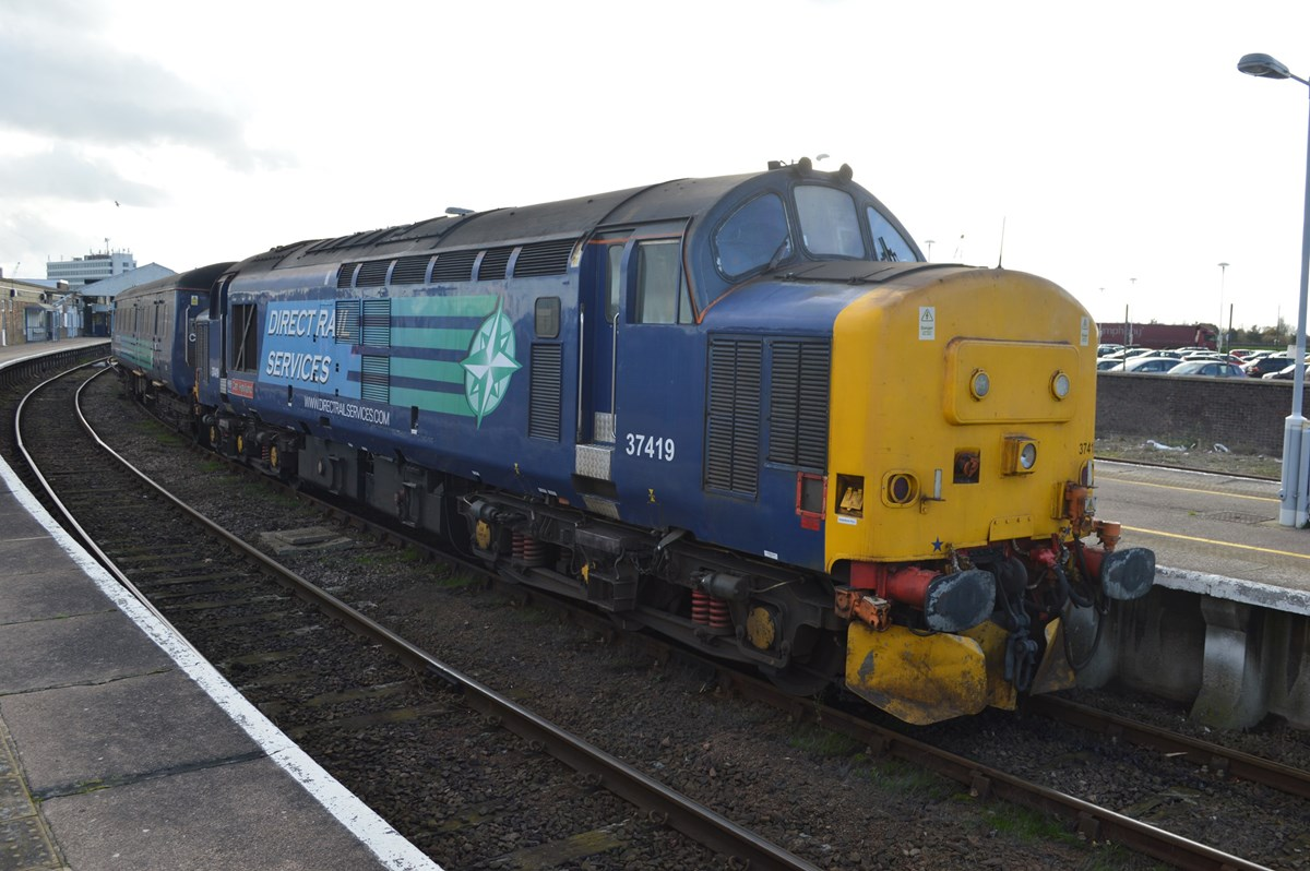 Direct Rail Services 37419 stands at Great Yarmouth on November 12, with the 1317 to Norwich.