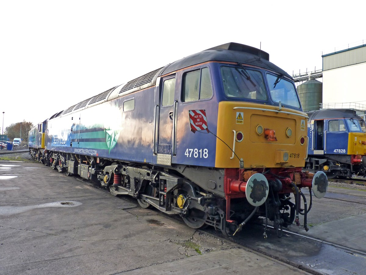 Direct Rail Services 47818 at Crewe Gresty Bridge on November 23 2012. RICHARD CLINNICK.