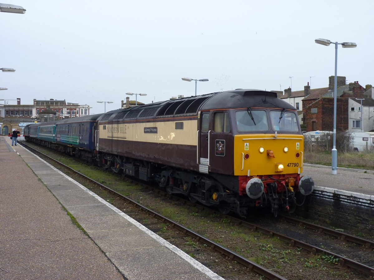 Direct Rail Services 47790 Galloway Princess at Lowestoft on January 9, with the 1548 to Norwich. RICHARD CLINNICK.