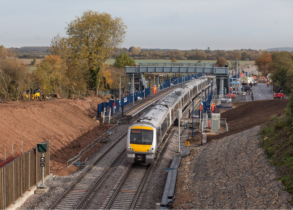 Chiltern Railways 168110 at Islip with the 0905 London Marylebone-Oxford Parkway on October 25.