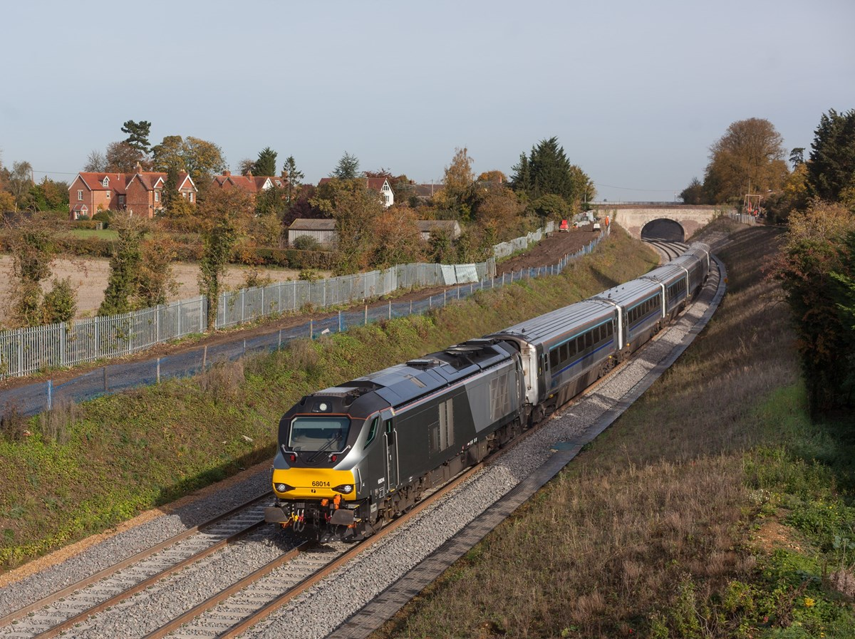 Chiltern Railways 68014 passes Islip on October 25, with the 1035 London Marylebone-Oxford Parkway.