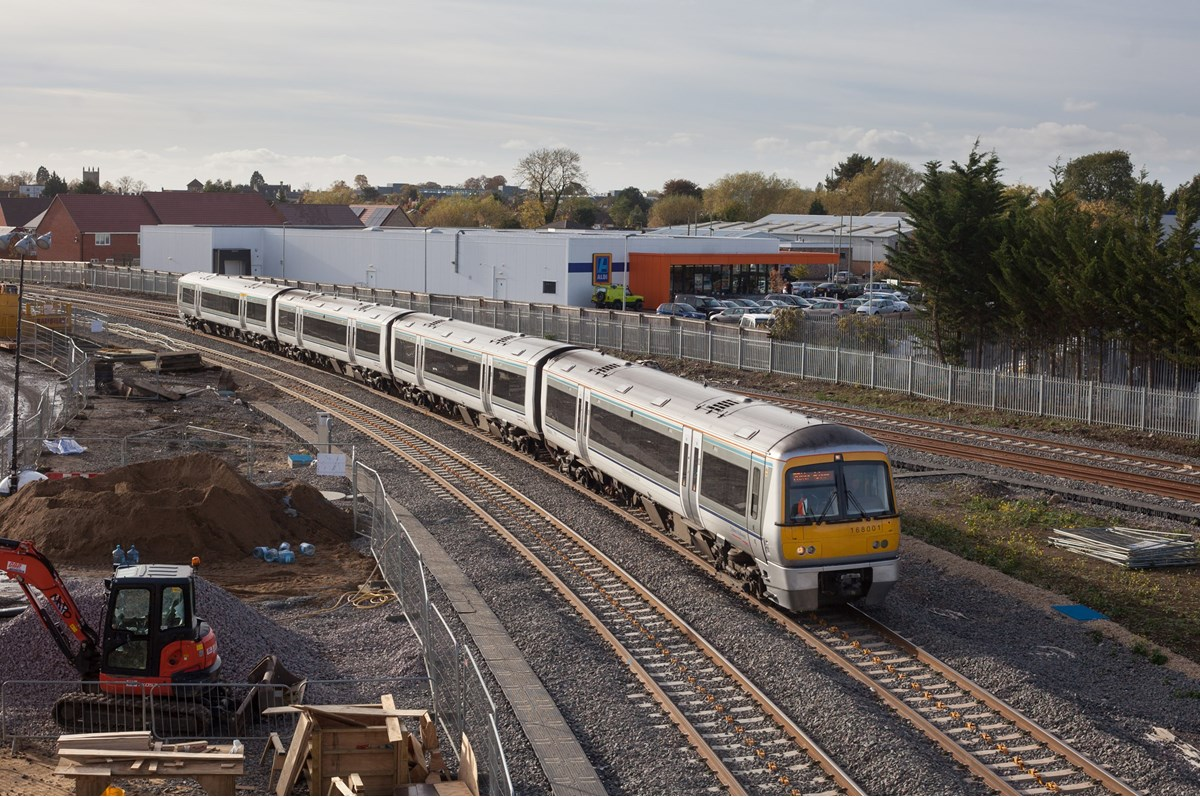 Chiltern Railways 168001 at Gavray Junction, Bicester, on October 25, with the 1417 Oxford Parkway-London Marylebone.