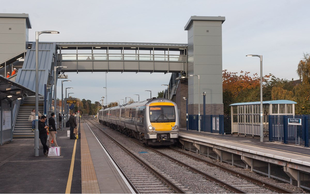 Chiltern Railways 168215 at Bicester Village on October 25, with the 1505 London Marylebone-Oxford Parkway.