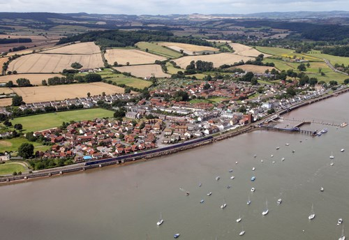 First Great Western train races through Starcross