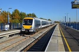 Chiltern Railways 168214 at Oxford Parkway on October 26 2015. RICHARD CLINNICK.