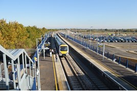 Chiltern Railways 168214 stands at Oxford Parkway on October 26, with the 1017 to London Marylebone. RICHARD CLINNICK.