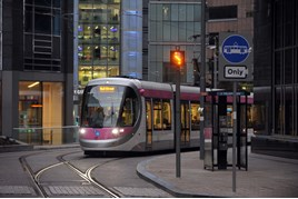A tram arrives at Bull Street. CENTRO.