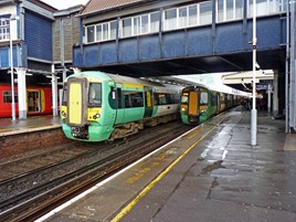 Southern 377118 and 377446 at Clapham Junction on January 3 2014. RICHARD CLINNICK.