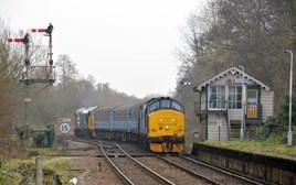 37405 enters Brundall on December 19. STEVE POTTER.