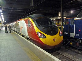 Virgin Trains 390104 at London Euston prior to working the 2300 to Manchester Piccadilly on September 4. RICHARD CLINNICK.