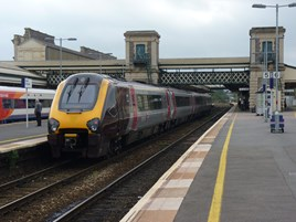 CrossCountry 220021 at Exeter St Davids on October 3 2014. RICHARD CLINNICK.